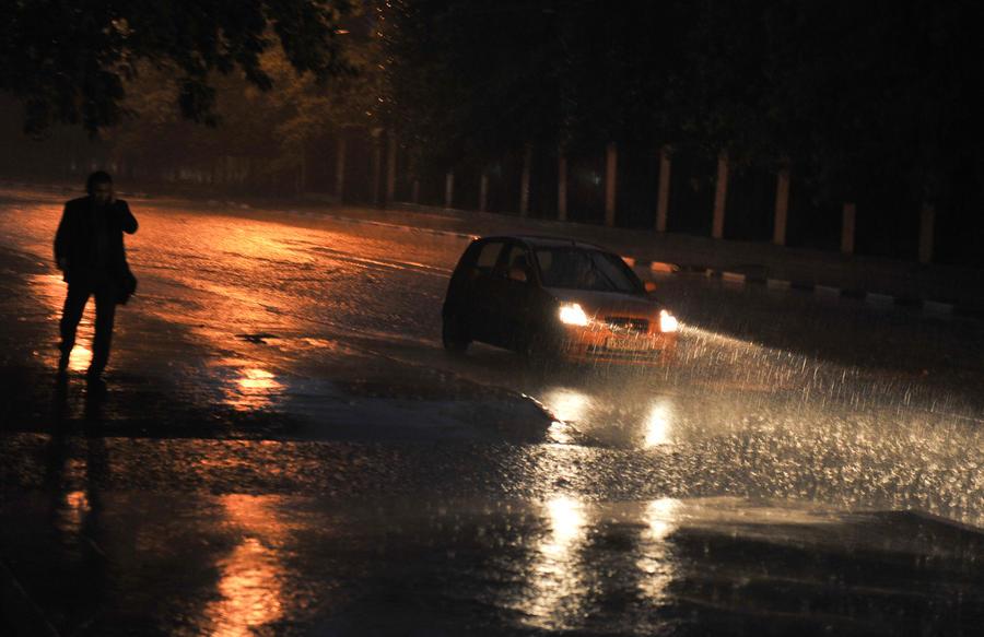 Февраль в Москве начался с грозы и температурного рекорда