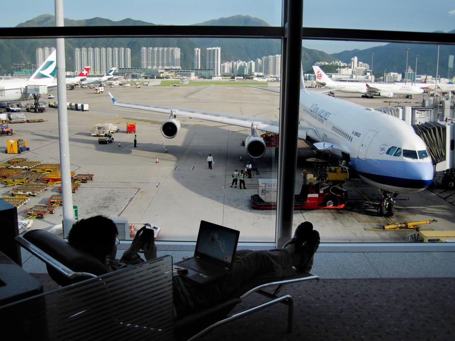 Опрос: в аэропортах не хватает кинотеатров и библиотек