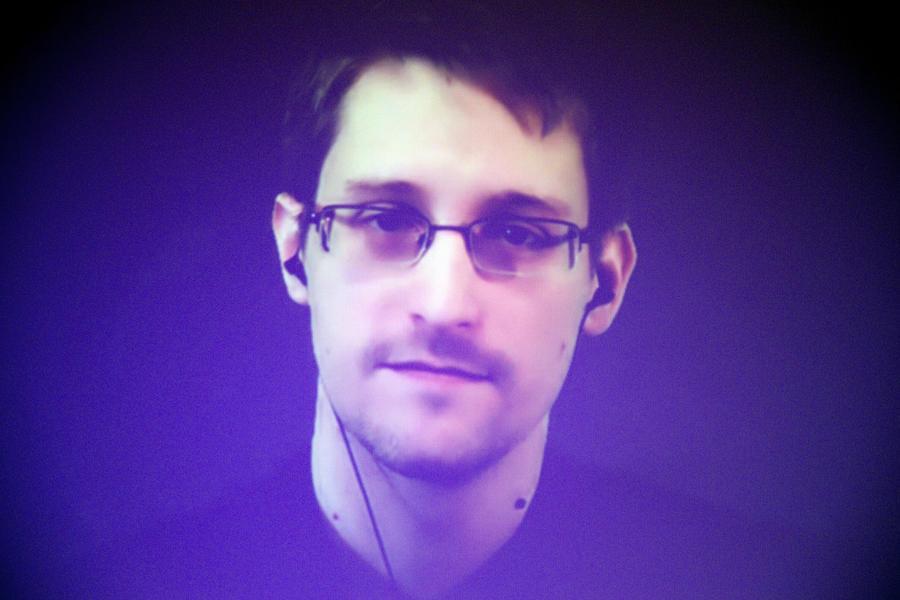 Эдвард Сноуден: Самая большая угроза на Ближнем Востоке была порождена политикой США