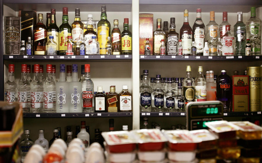 Туристы в Турции рискуют остаться без алкоголя: власти страны ограничили продажу спиртных напитков