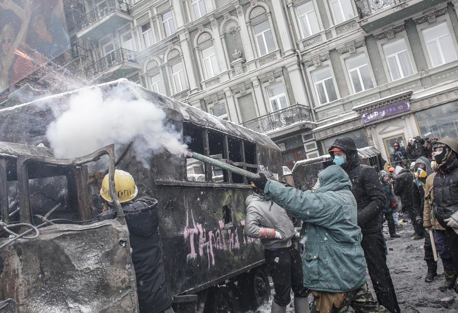 В Киеве скончался участник уличных протестов