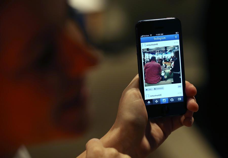 Правительства 74 стран требовали у Facebook данные пользователей