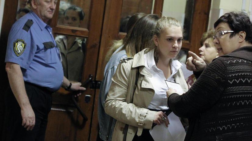 Мосгордума предложила вооружить школьных охранников шокерами и дубинками