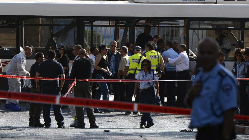 В результате взрыва автобуса в Тель-Авиве пострадал 21 человек