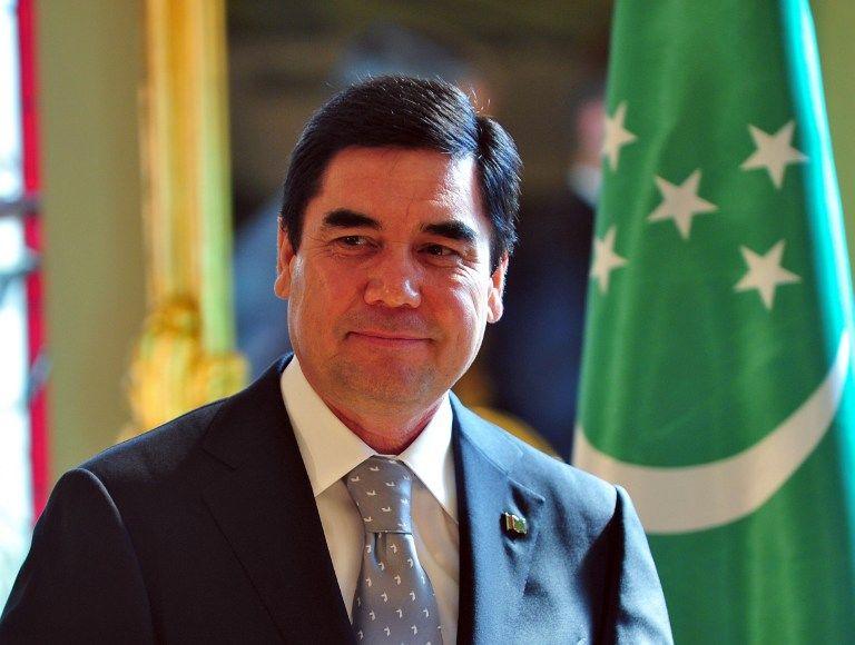 Женщины Туркмении получат на 8 марта по $14 от президента страны