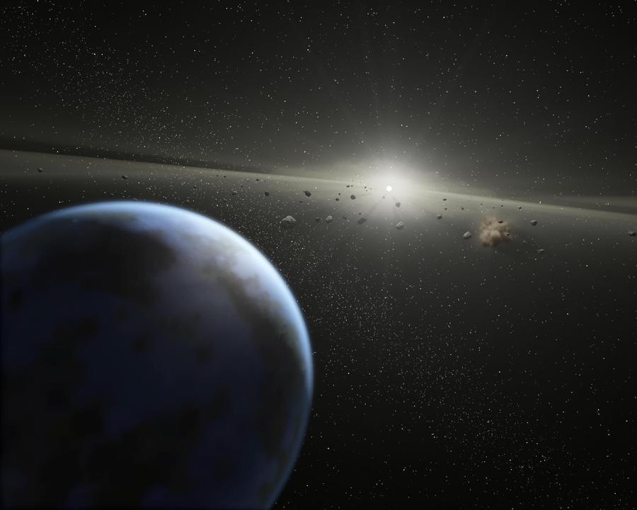 Астероид размером с грузовик пролетел мимо Земли в четыре раза ближе Луны