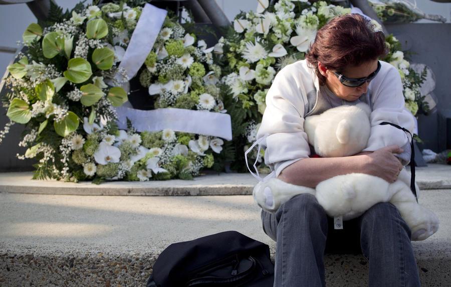 Сотрудники шотландского крематория больше полувека избавлялись от праха младенцев втайне от родителей