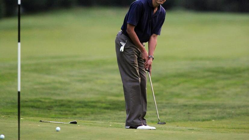 Западные СМИ: Барак Обама больше отдыхает и играет в гольф, чем занимается вопросами экономики