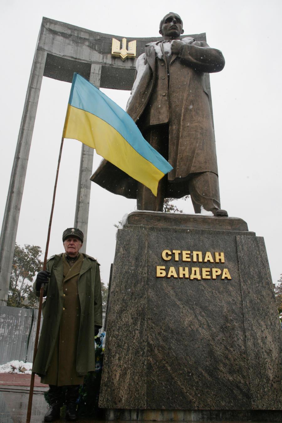Американские СМИ: Западу всё сложнее не замечать тёмную сторону Киева