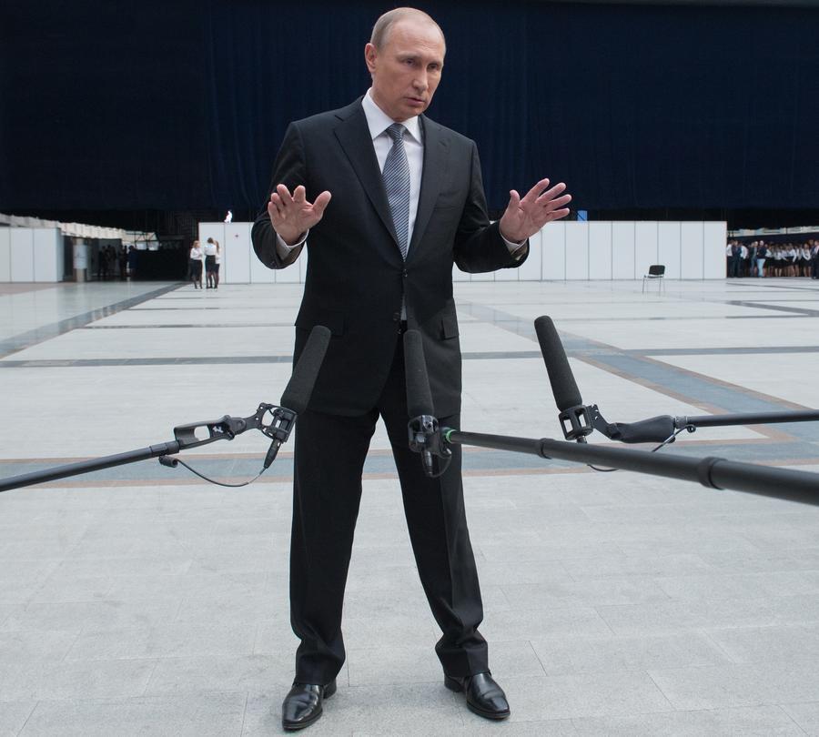Если вдруг пропустили: 5 самых ярких цитат Путина с «Прямой линии»