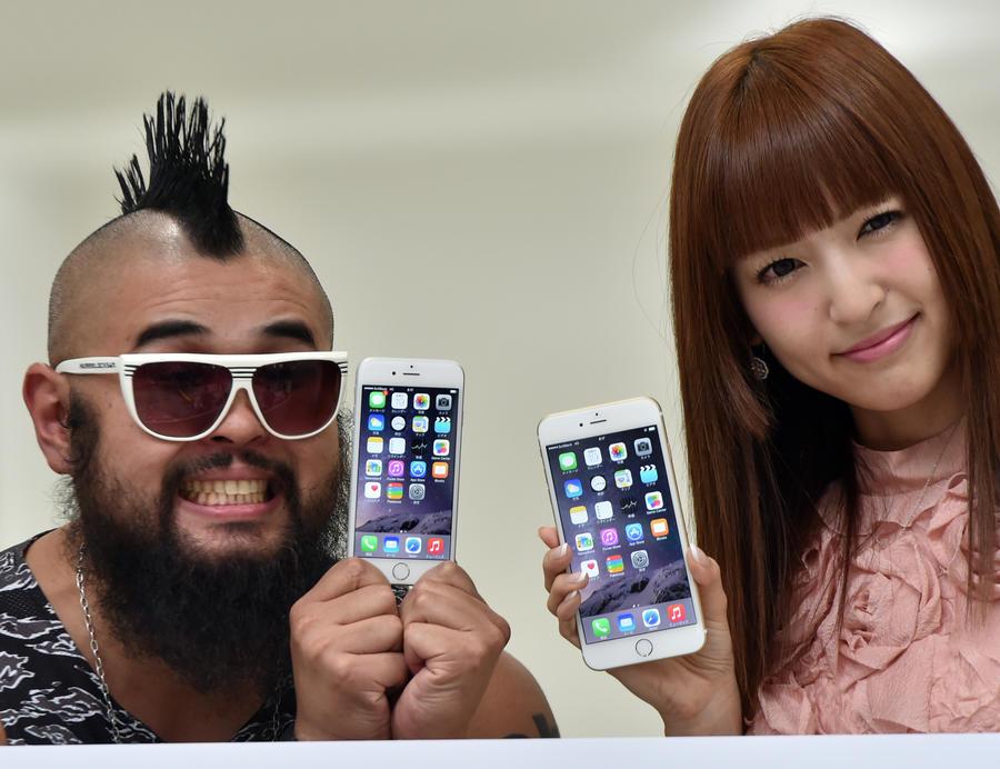 Владельцы iPhone 6 жалуются, что новый гаджет вырывает у них волосы
