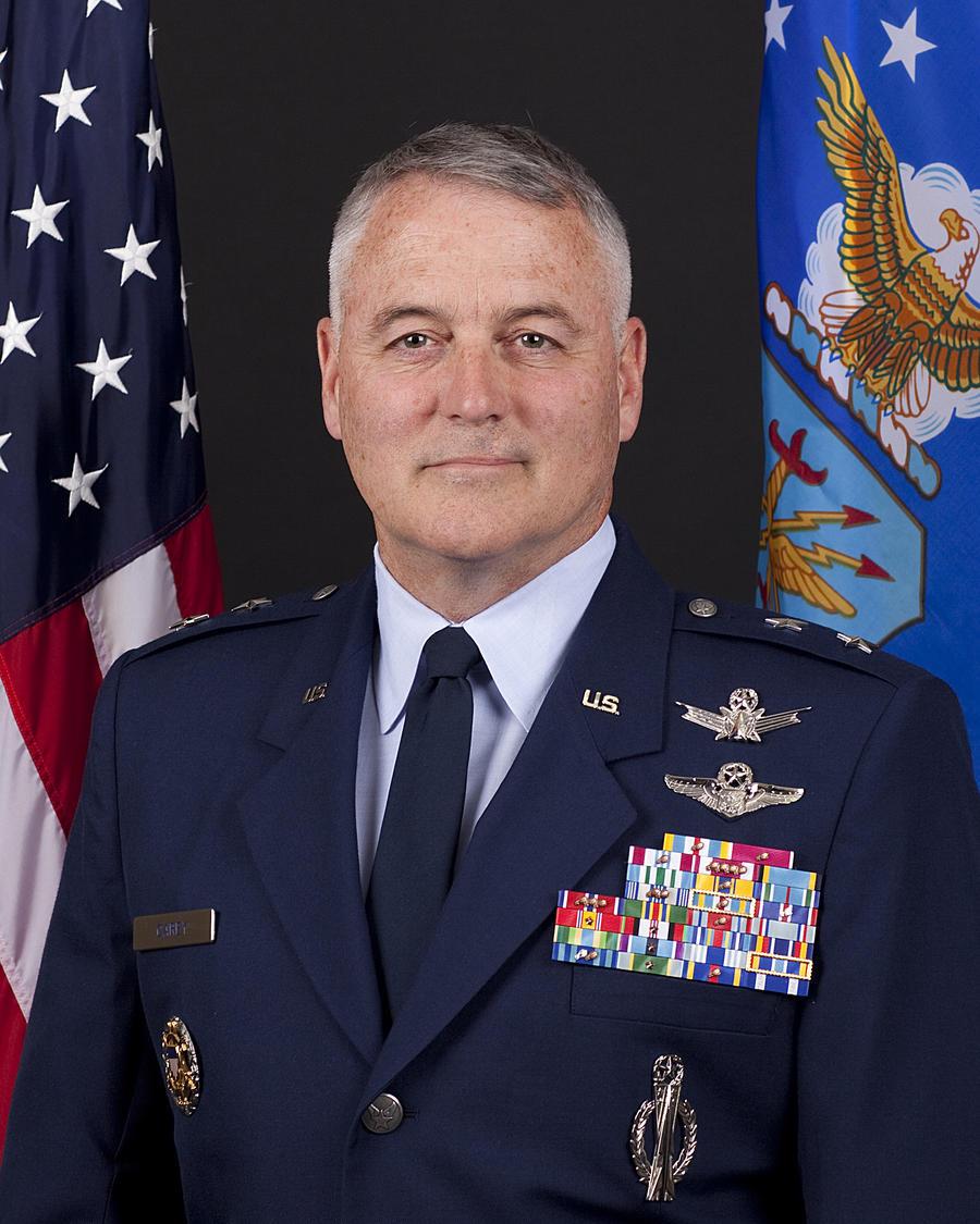 Американский генерал уволен со службы за грубость и пьянство во время командировки в Россию