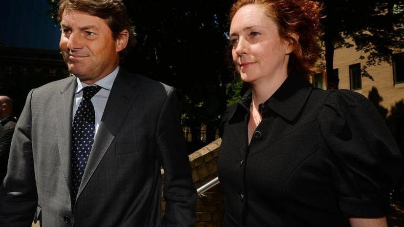 Подозреваемые по делу о прослушке в Великобритании отрицают свою вину