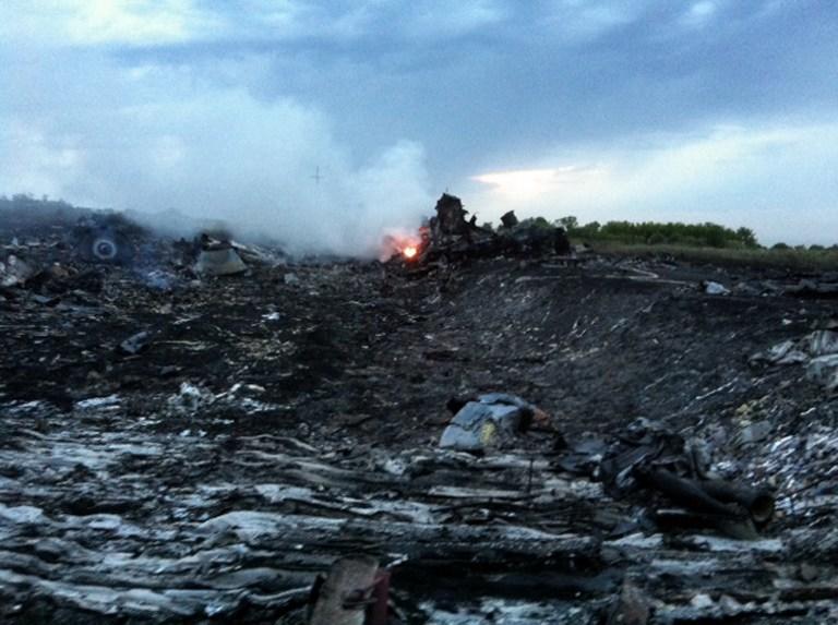Испанский диспетчер: Перед катастрофой рядом с малайзийским Boeing были украинские военные самолёты