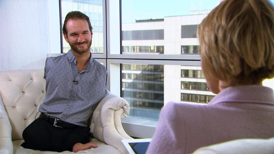 Ник Вуйчич в интервью RT: Я верю в чудо, поэтому в моём шкафу всегда есть пара ботинок