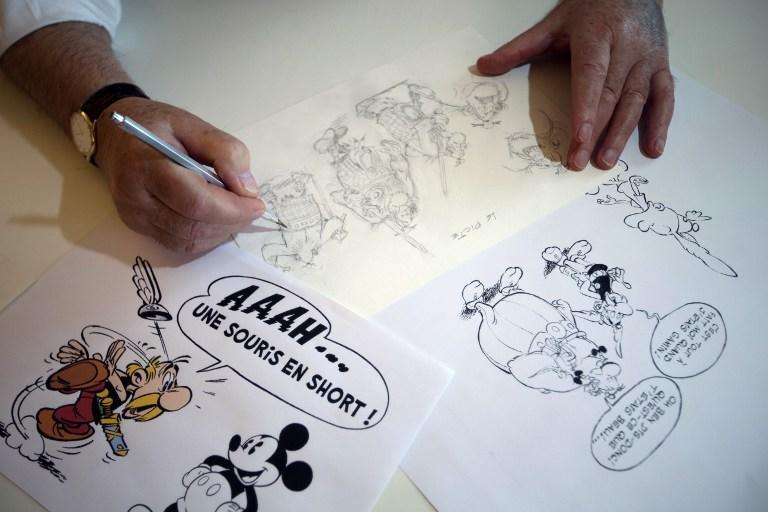 Британский художник пустил на папье-маше ценные комиксы