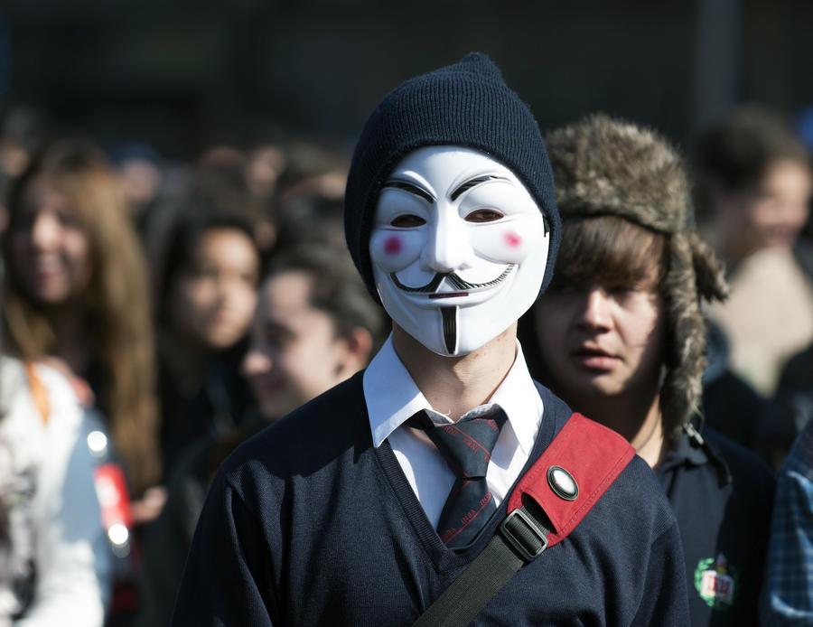 Хакеры Anonymous опубликовали в сети контактные данные британских националистов