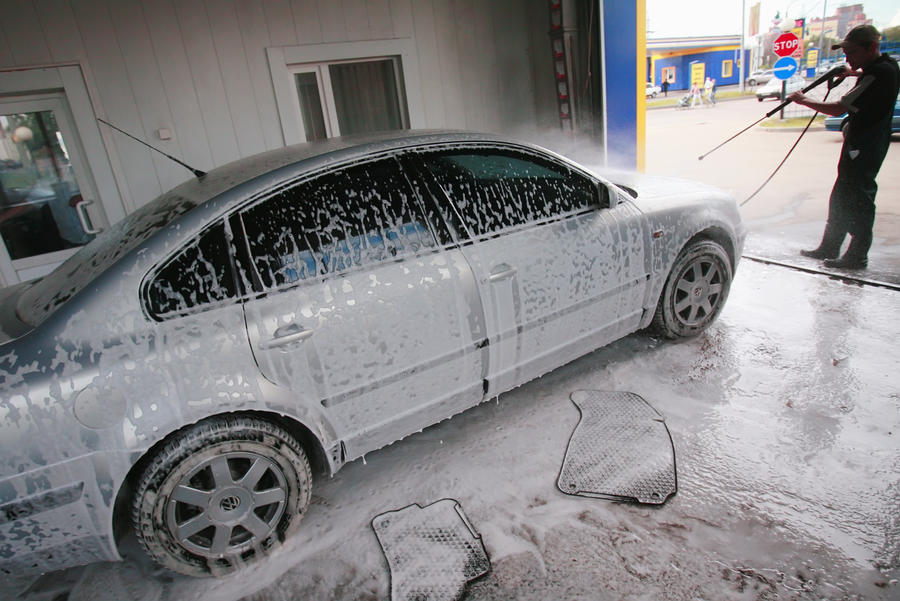 В Москве стационарные автомойки заменят на передвижные