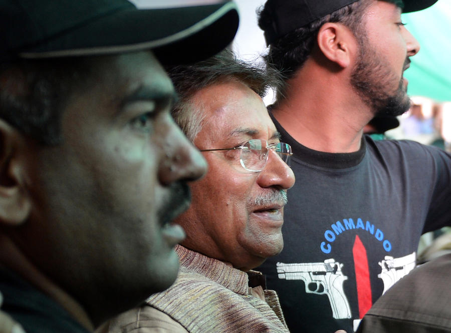 Бывшего президента Пакистана обвинили в убийстве Беназир Бхутто