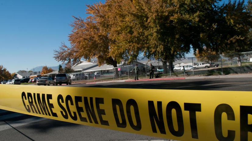 Полицейский в США открыл огонь по мирно стоящему мужчине, страдающему шизофренией