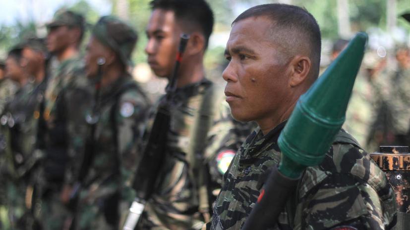 Филиппинские боевики взяли в заложники 170 человек