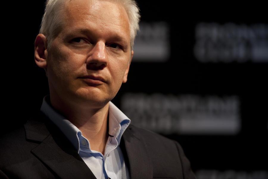 Эквадор обвиняет Великобританию в нарушении прав Джулиана Ассанжа