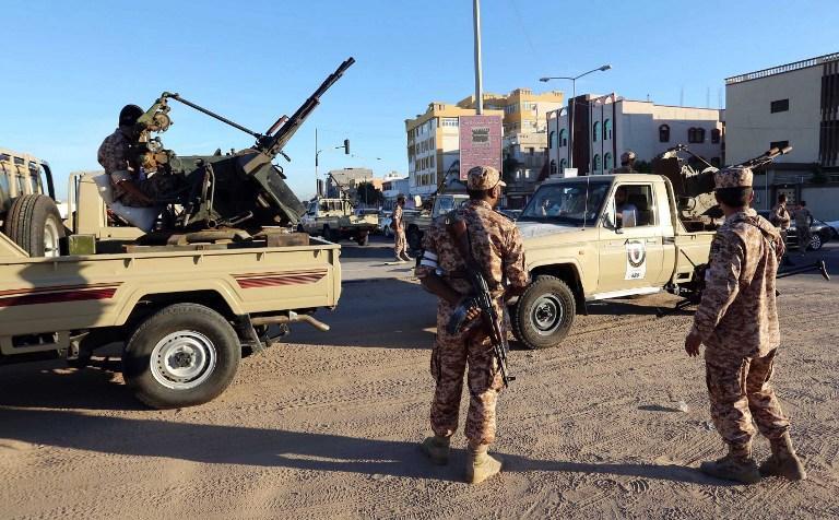 Неизвестные обстреляли военный пост в Ливии: 15 погибших