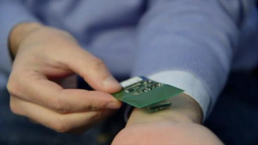 Врачи будут следить за пациентами при помощи подкожных микрочипов