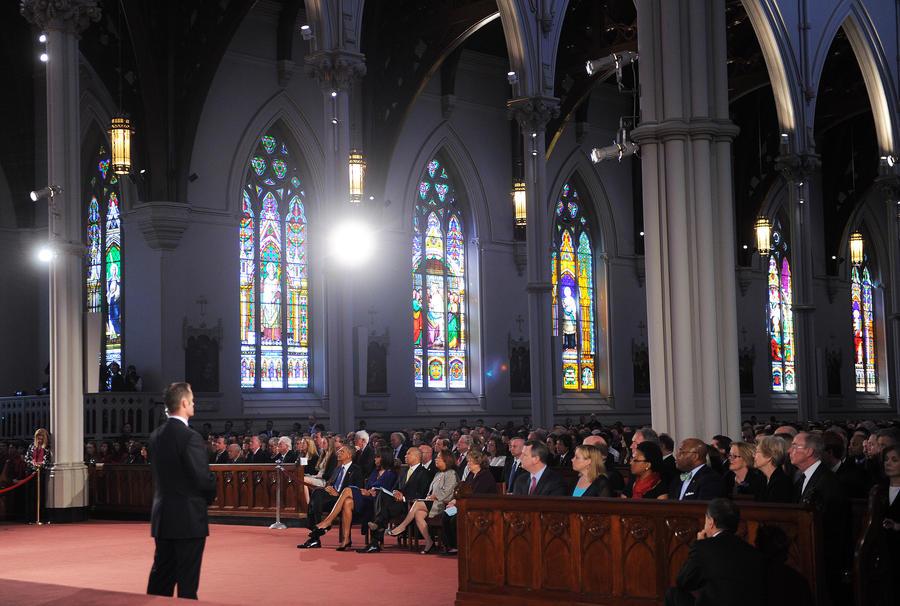 Атеистам из Гарварда не позволили принять участие в панихиде по жертвам теракта в Бостоне