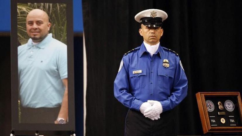 Офицер, погибший в аэропорту Лос-Анжелеса, полчаса истекал кровью до прихода медиков