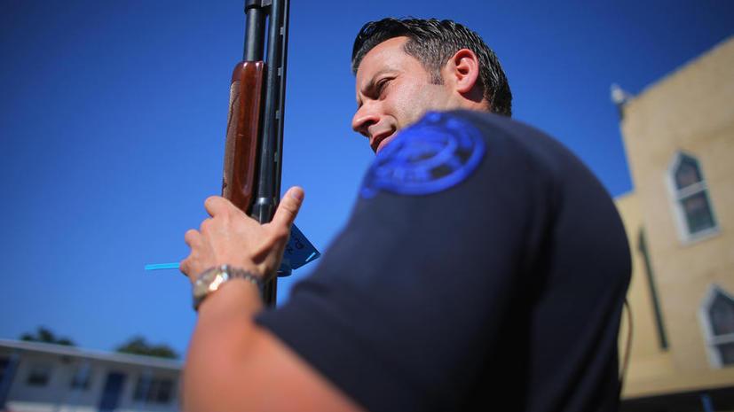 Национальная стрелковая ассоциация США призывает ввести вооруженную охрану в школах