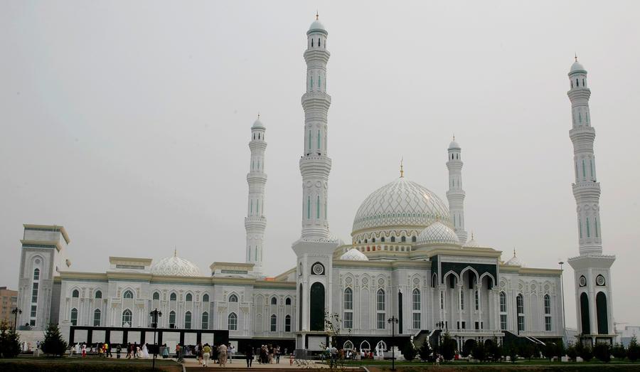 Имамы Алма-Аты превращали посетительниц мечети в проституток