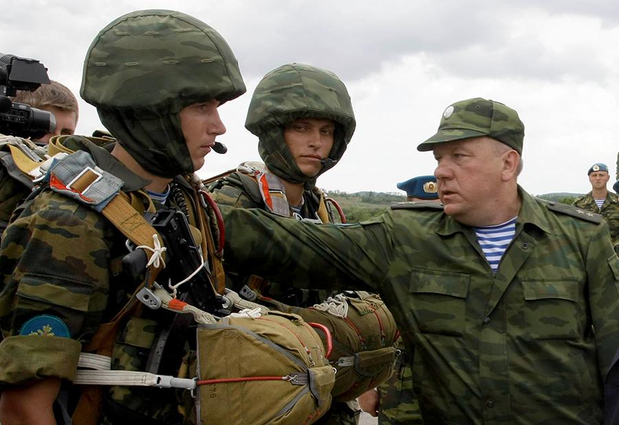 Генерал Шаманов: ВДВ готовы обеспечить эвакуацию россиян из Сирии