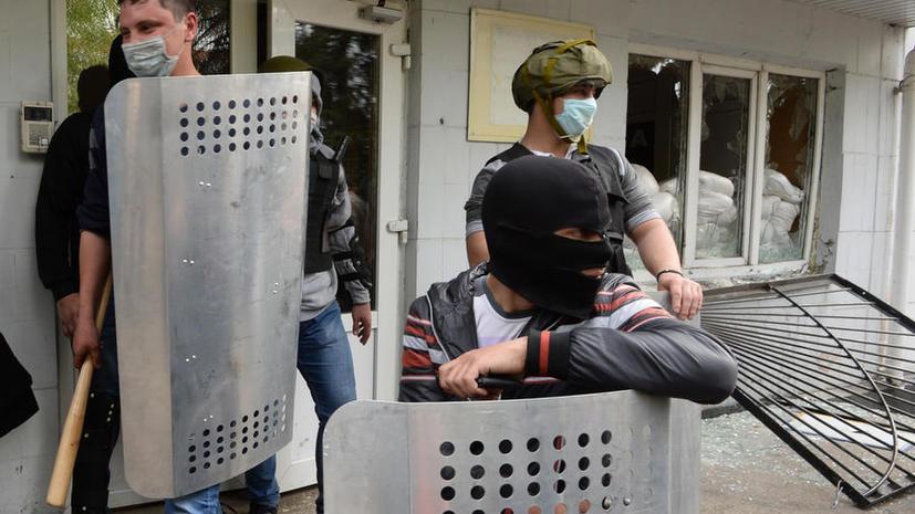 Активист: Власти в Киеве ищут повод для введения режима чрезвычайного положения в восточных регионах