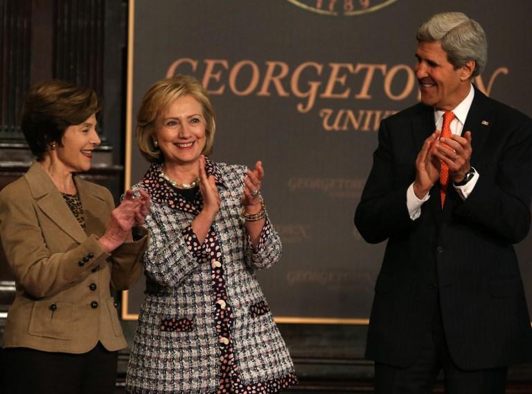 Лора Буш, Хиллари Клинтон и Джон Керри опасаются за будущее афганских женщин и детей после вывода войск