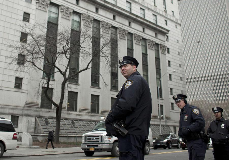 Полицейские Нью-Йорка оказались вне закона: им запретят обыскивать подозрительных людей на улицах