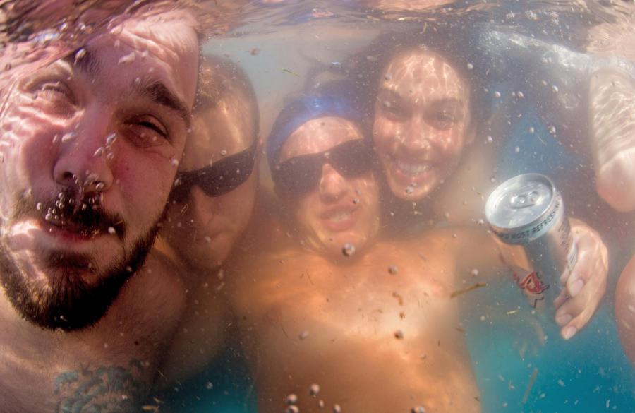 Исследователи бьют тревогу: плавать в общественных бассейнах США опасно для здоровья