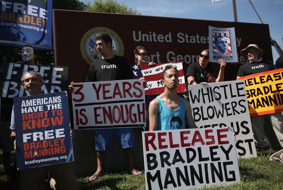 Активисты предложили отсидеть часть срока вместо Брэдли Мэннинга