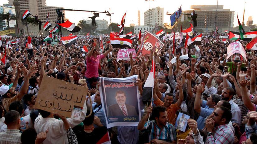 Сторонники Мурси требуют освобождения свергнутого президента