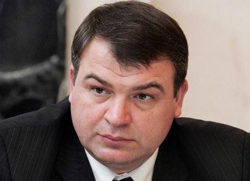 Счётная палата: Сердюков выплачивал своим замам и советникам миллионные премии