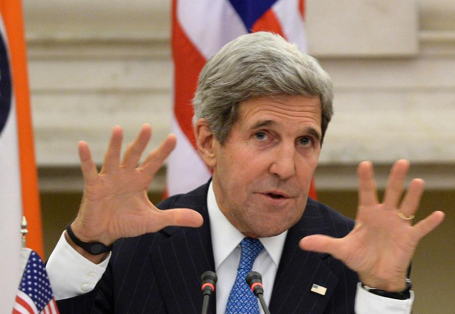 Джон Керри: Эдвард Сноуден предал свою страну