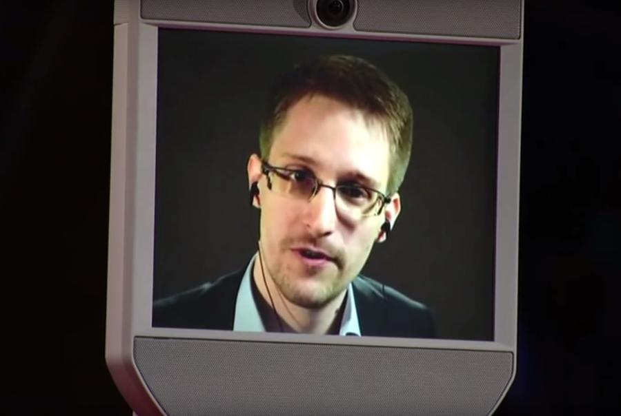 Эдвард Сноуден рассказал о преграде в поисках внеземных цивилизаций