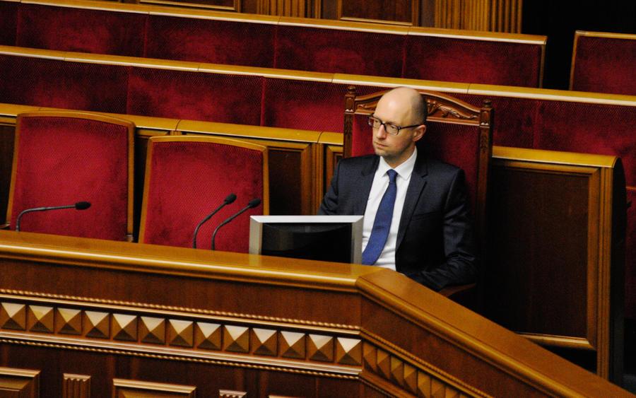 Украинский политолог: Соратники Арсения Яценюка убедили всех в коррупции своего лидера