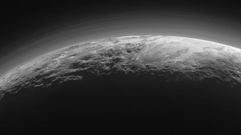 Дивный новый мир: NASA рассказало о десятках открытий, касающихся Плутона и его спутников