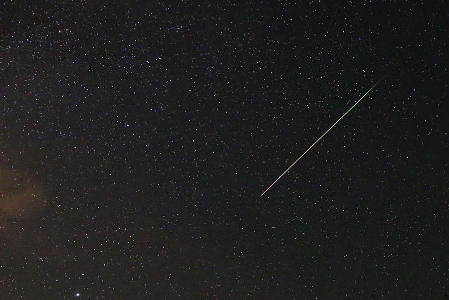 Ночь звездопада: россияне могут наблюдать сотни метеоров за час