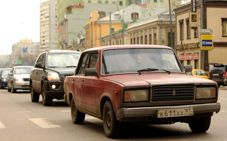 ЛДПР предлагает очистить российские дороги от водителей-мигрантов