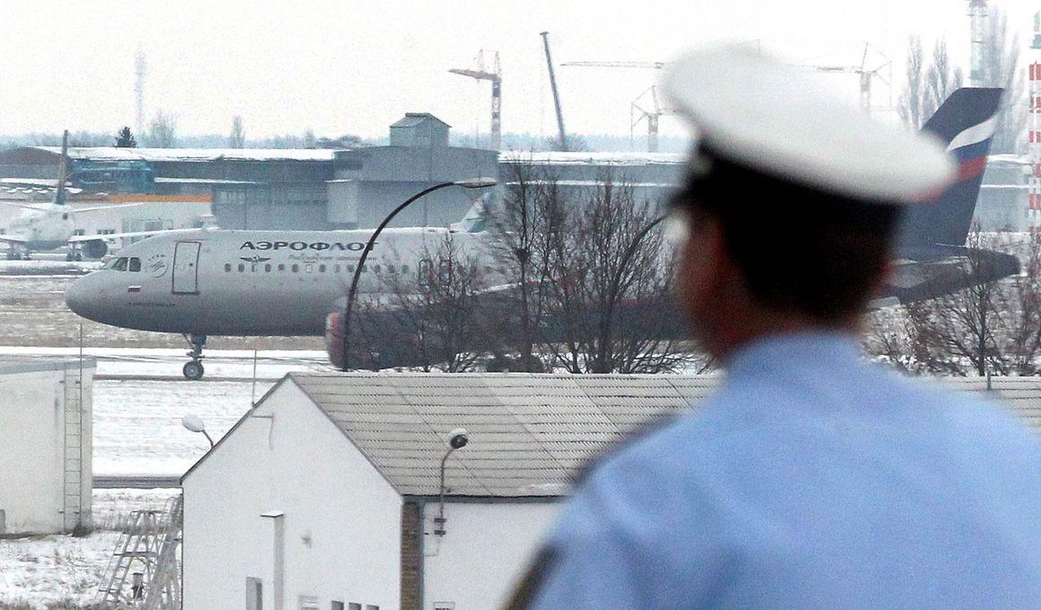 Из-за пьяного дебошира на борту самолет «Аэрофлота» совершил вынужденную посадку
