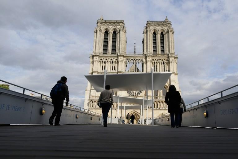 Мужчина застрелился в соборе Нотр-Дам-де-Пари