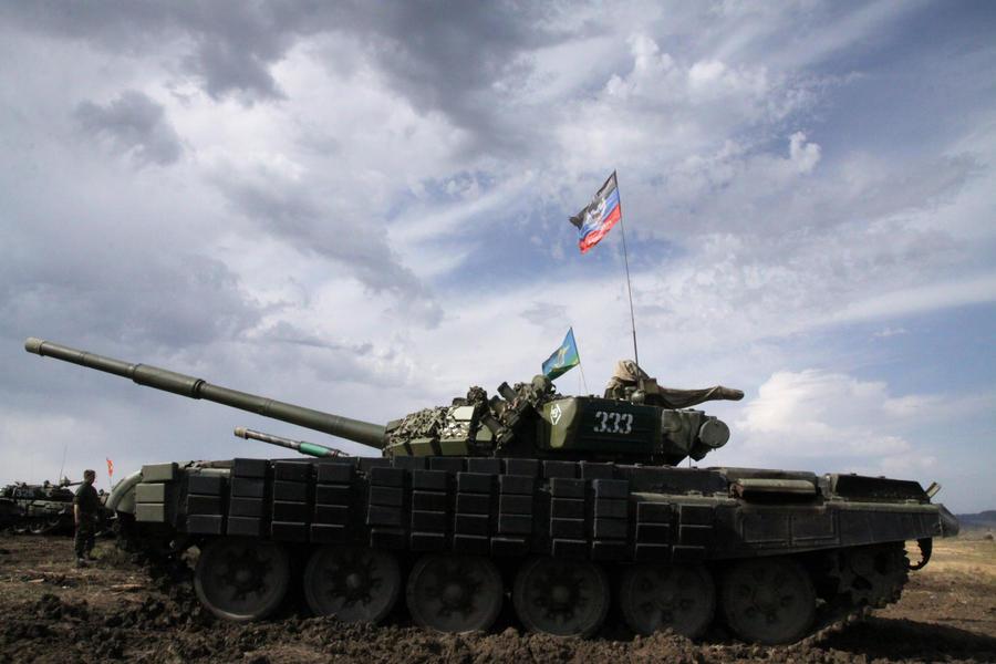 В ходе соревнований по танковому биатлону в Донбассе произошёл теракт, погиб ребёнок
