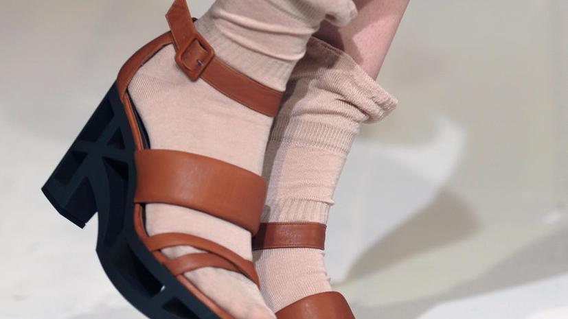 Носки с сандалиями возглавили список модных провалов